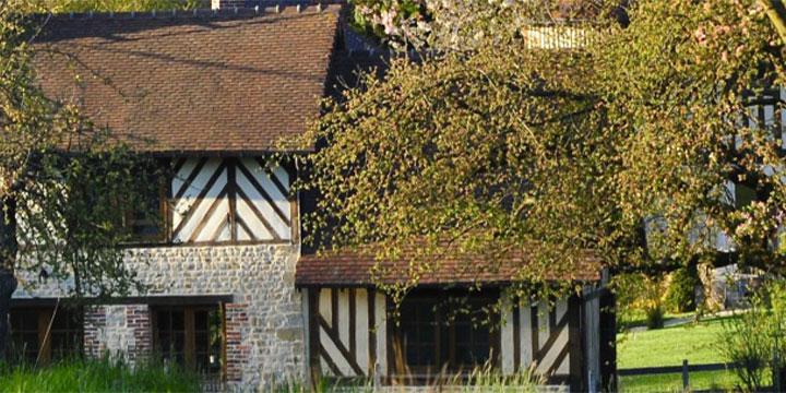 Cambremer petit village normand