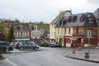 Le bourg de Cambremer dans le Calvados